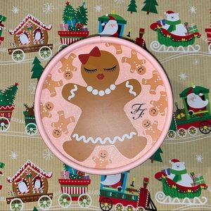 Too Faced Gingerbread Sugar